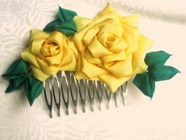 Yellow rose kanzashi comb by elblack