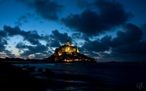 Le Mont Saint Michel by melintir