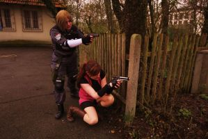 Resident Evil 2 - Leon and Claire - Cosplays by ChaoticClaire