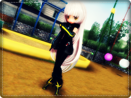 am i cute? by mmdyesbutterfly