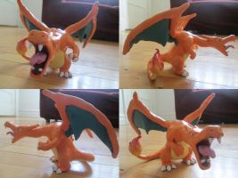 Charizard by mugnug