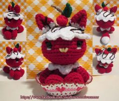 Red Velvet Chocolate Drizzle Cupcake Little Fox by swallowtt