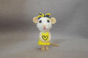 Miniature Handmade OOAK Sculpt Artist MOUSE, 1 2/8 by TreasuredByU