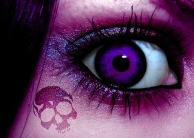 Purple Skull by PoisenedYouth
