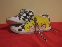 Roxas shoes by AppolloChan