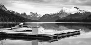Maligne Lake by dunkeltoy