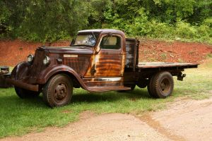 old rustic truck by Digitalphotique