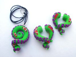 Zombie Girl Tentacle Necklace and Earring Set by cashewed-almonds