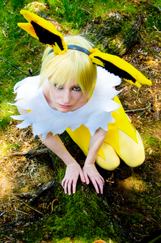 Jolteon Cosplay by Cain-the-Smexy