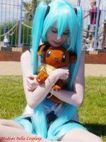 Miku Hatsune cosplay by MasterCyclonis1