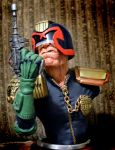 JUDGE DREDD sculpture by Mixta110