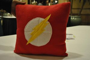 Flash Pillow by nenfere