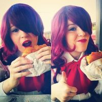 Mitsuru Kirijo - How to eat a burger by All-OutAttackCosplay