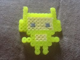 Kawaii robot perler bead yellow by Pokekid6