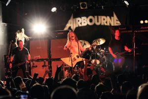 Airbourne:  Full Band by basseca