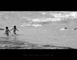 happiness: swiming edition by polisitidur