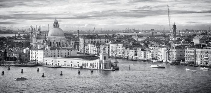 Venice to the East by archipirata