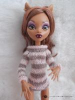 Stripes sweater for Monster high by kivrin82