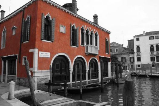 Red House in Venice by Woodchip1650
