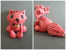 Little Red Howling Wolf (sculpt) by WolvesnRavens