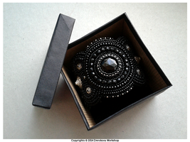 Box for Satura cuff by little-cruel-thing