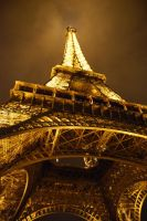 Tour Eiffel by wizardlello