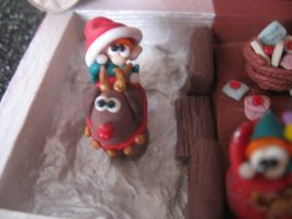 Christmas diorama: maybe I could do Santa's work! by SelloCreations