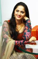 Anushka Shetty Hd Photos and Wallpapers by BodyCeleb