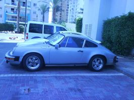 78' 911 Porsche in my city by BadgeRizzle