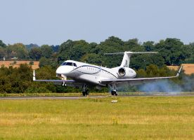 Lord Sugars Embraer Taxi by pma27