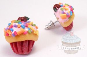 Birthday cupcake earrings by ilikeshiniesfakery