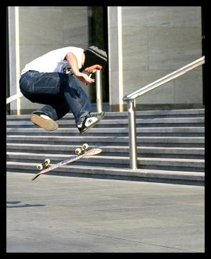 http://th07.deviantart.net/fs26/300W/i/2008/042/5/f/Brno_skaters_by_Hare77.jpg