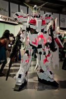 Unicorn Gundam cosplay by Clivelee