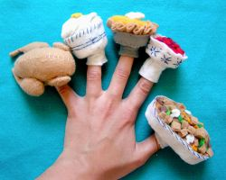 Thanksgiving Finger Puppets- by GiannaPergamo