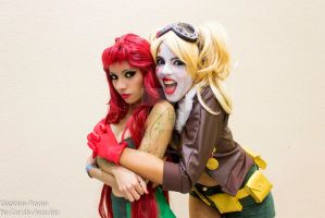 poison ivy and harley quinn bombshell by Moniquecooper