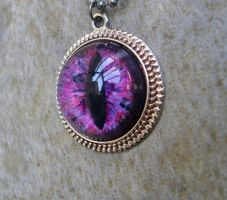 Heart's Blood Pendant - Dragon Eye with Silver by LadyPirotessa