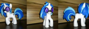 Vinyl Scratch custom by angel99percent