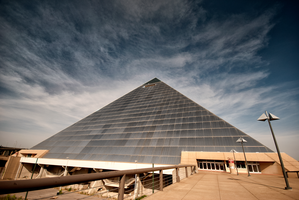 Memphis Pyramid by Bawwomick
