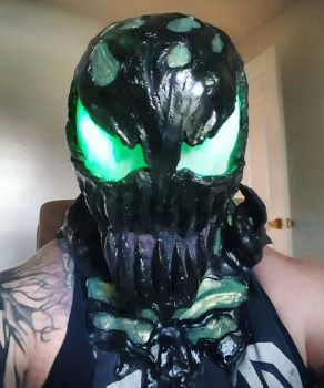 Custom carnage mask! by symbiote-x