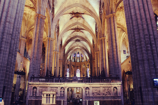 Inside the Cathedral of Barcelona by badendesing