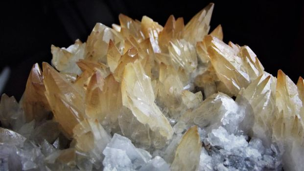Calcite, Mexico. by Bearbones85