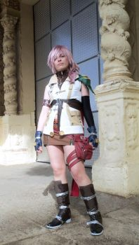 Lightning Cosplay 2 - Final Fantasy XIII by mmmhOm by mmmhOmoshiroi