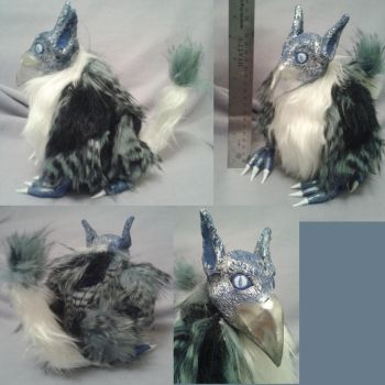 Gryphon plush by CaptHansIsMyMaster