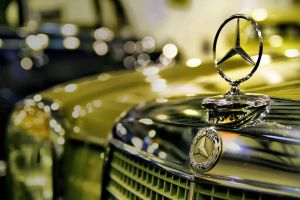 Mercedes Benz by andreawan