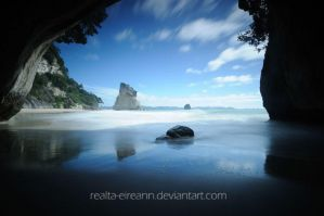 Cathedral Cove by realta-eireann