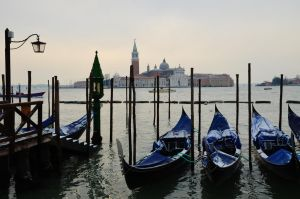 Venezia. by Romylyn