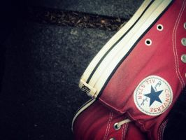 Converse by WhenEveryoneWasHappy
