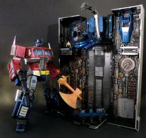 TRANSFORMERS Masterpiece Optimus Prime repaint by enclinedesigns