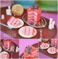 Valentine's Day Cake + Chocolate Anatomical Heart by TheMiniatureBazaar