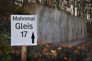 Mahnmal Gleis 17 by aarontheawesome